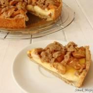 Kruche ciasto z budyniem, jabłkami i kruszonką