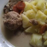 Pulpety wieprzowo-drobiowe w sosie grzybowym