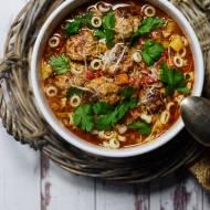 Włoska zupa pomidorowa z klopsikami z surowej kiełbasy