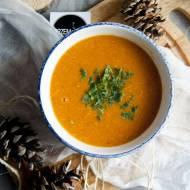 Zupa z soczewicy z dynią i pomidorami