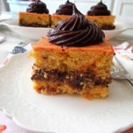 Ciasto buraczano-marchewkowe z kremem czekoladowym (Torta di carote e barbabietole con crema di cioccolato)
