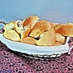 Drożdżowe, pieczone pierogi z grzybami