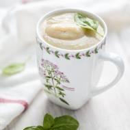 Biała zupa krem z niepaloną kaszą gryczaną