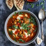 Marokańska zupa harira z ciecierzycą i pulpecikami jagnięcymi