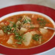 Zupa z ciecierzycą i pomidorami
