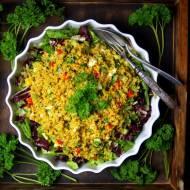 Sałatka z bulguru ze świeżymi warzywami
