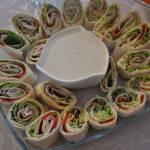 Zawijaski z tortilli z szynką i dodatkami
