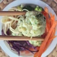 Chiński rosół z krewetkowymi pulpetami