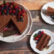 Pyszny, mocno czekoladowy tort
