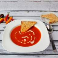 Zupa paprykowa z grzankami