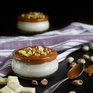 Mini serniczki z białą czekoladą i solonym karmelem