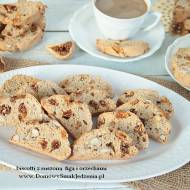 biscotti z suszonymi figami i orzechami