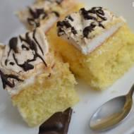 Ciasto z kremem ananasowym i bezą kokosową
