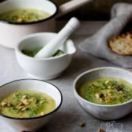 Ziemniaczana zupa-krem z pesto pietruszkowym