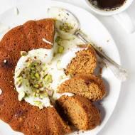 Ciasto marchewkowo cukiniowe z pistacjami