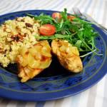Kurczak glazurowany w miodzie z kaszą jaglaną, migdałami i suszonymi pomidorami