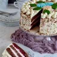 Tort wiśniowy z kremem z białą czekoladą i kremem wiśniowym