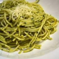Spaghetti w rukolowym pesto