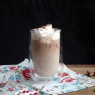 Kawa malinowo-różana z białą czekoladą