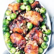 Pieczony kurczak na obiad z brukselką i batatami