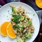 Ryż smażony z ciecierzycą i brokułem w maśle orzechowym