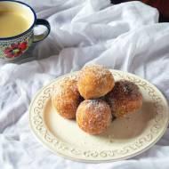 Włoskie pączki z kremem cytrynowym – castagnole