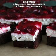 Brownie z kremem śmietanowym i frużeliną wiśniową