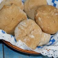 Bułeczki orkiszowe pieczone metodą solno-drożdżową