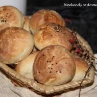 Bułki pieczone metodą solno-drożdżową w lutowej piekarni