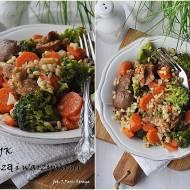 Dietetyczny indyk z kaszą i warzywami