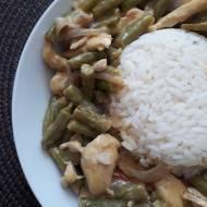 Green curry z kurczakiem