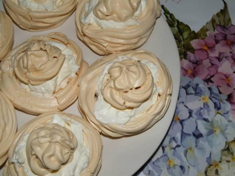 Ciasteczka bezowe z kremem mascarpone