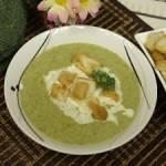 Zupa krem z brokułów z grzankami – pyszna i prosta zupa