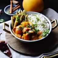 Dyniowe curry z kurczakiem i fasolką