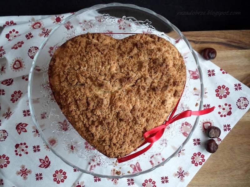 Ciasto z kasztanami, wiśniami i kruszonką. Nie tylko dla zakochanych