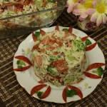 Sałatka z brokułem ryżem i salami – pyszna i prosta