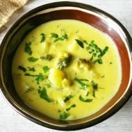 Zupa ziemniaczana z brokułami i serem.