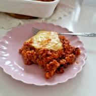 Zapiekanka ryżowa z mielonym mięsem i wędzonym serem