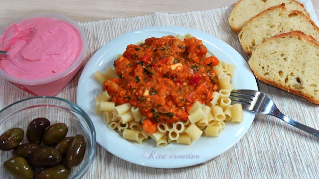 KREWETKI SAGANAKI - czyli krwetki w sosie pomidorowym z fetą.
