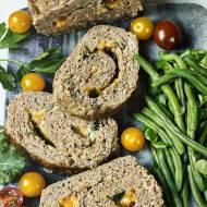 Pieczeń rzymska z portobello, bazylią i cheddar