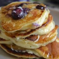 Pancakes z ricottą i borówkami
