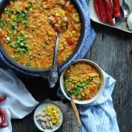Paella z kurczakiem i fasolą
