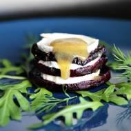 Pieczone buraki z kozim serem i sosem musztardowo-miodowym