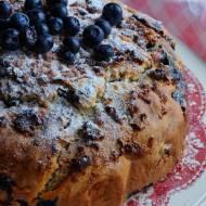 Szybkie ciasto z borówkami i marcepanem
