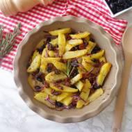Pieczone ziemniaki z suszonymi pomidorami, czarnymi oliwkami i czerwoną cebulą (Patate al forno con pomodori secchi, olive nere