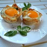 Babeczki z chleba tostowego z jajkiem sadzonym