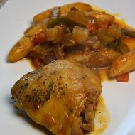 Duszony kurczak z warzywami i kopytkami