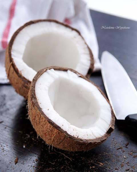 Jak otworzyć kokosa? + domowe wiórki i płatki kokosowe