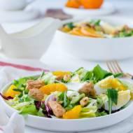 Wiosenna sałatka z kurczakiem pomarańczą i jajkiem