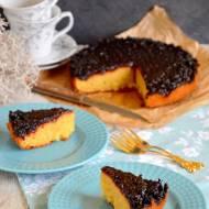 Obracane ciasto ze smażonymi wiśniami